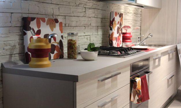 Co wybrać na ścianę nad blatem kuchennym